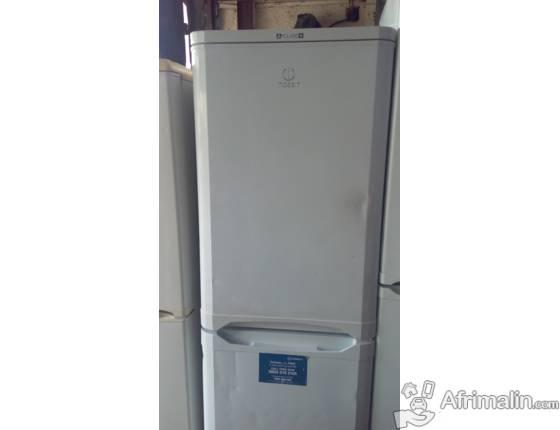 frigo congelateur cool soldes indesit caanx rfrigrateur combin with frigo congelateur combin. Black Bedroom Furniture Sets. Home Design Ideas