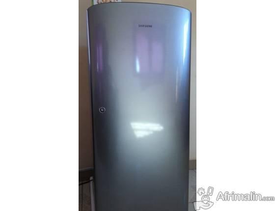 Réfrigérateur 190L SAMSUNG RR1915HCBSA/GR - Gris