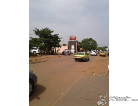 Un grand panneau publicitaire à Badalabougou