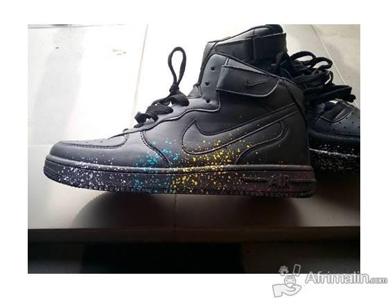 plus récent 648ed 77443 A vendre Chaussure Nike Air Force One Noire jamais portée à ...