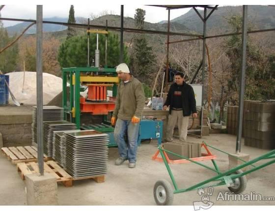 Machine parpaing, fabrication de blocs béton