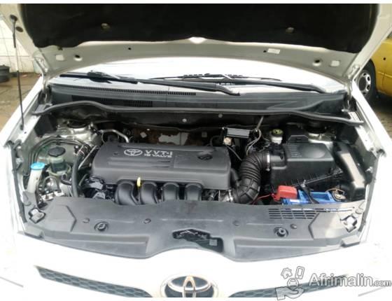 Toyota Corolla Verso(full options)