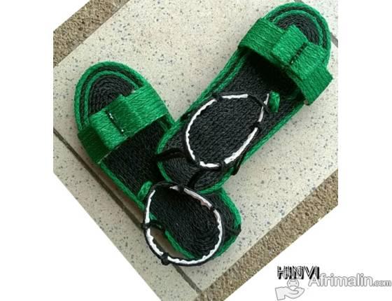 Sandale avec corde à l'arrière