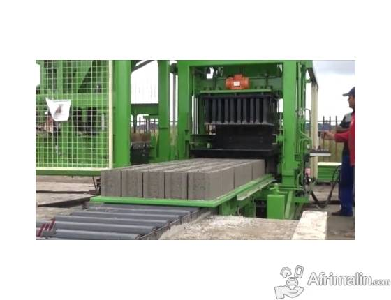 Machine a parpaing pavé - Machine de fabrication de pavés autobloquant