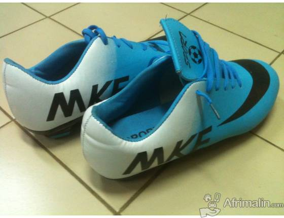 Chaussure de foot bleu blanc - toutes pointures