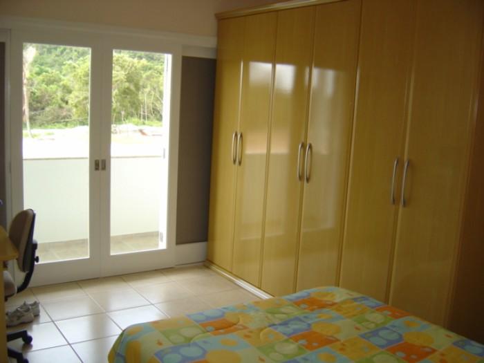Casa Código 7034 a Venda no bairro Cachoeira do Bom Jesus na cidade de Florianópolis