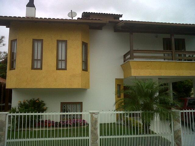 Casa Código 9435 a Venda no bairro Cachoeira do Bom Jesus na cidade de Florianópolis