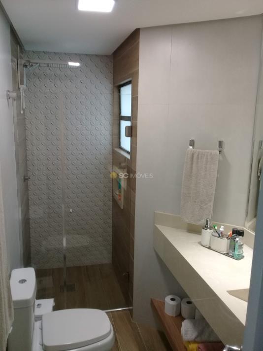 22. 19 - banheiro do quarto 4