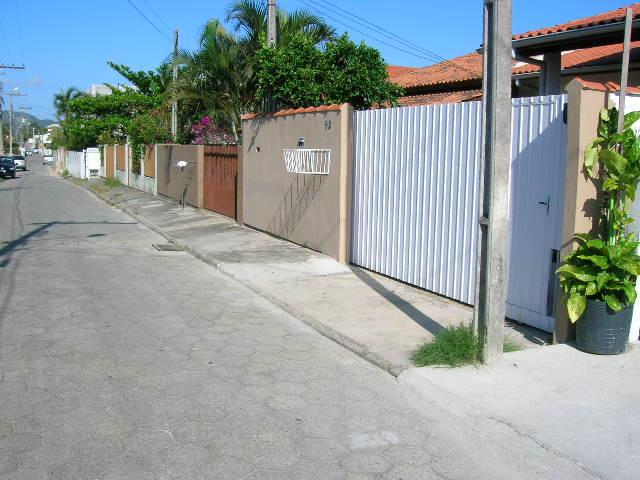 1. portão e rua