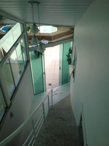 11. escada da suíte superior ang 1