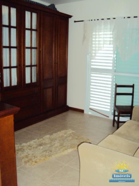 12. Sala/corredor piso superior