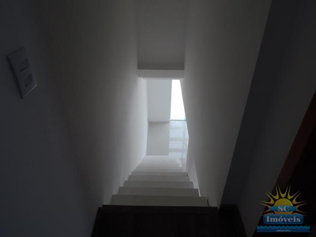 24. Escada