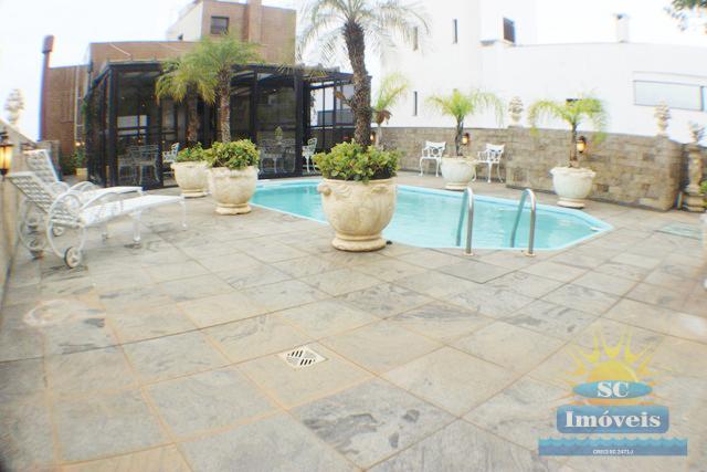 61. terraço piscina