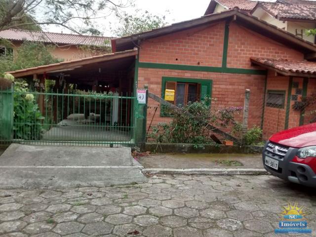 1. fachada da casa dentro do condomínio