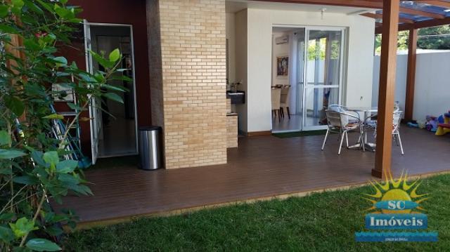 Casa Código 13588 a Venda no bairro Sambaqui na cidade de Florianópolis