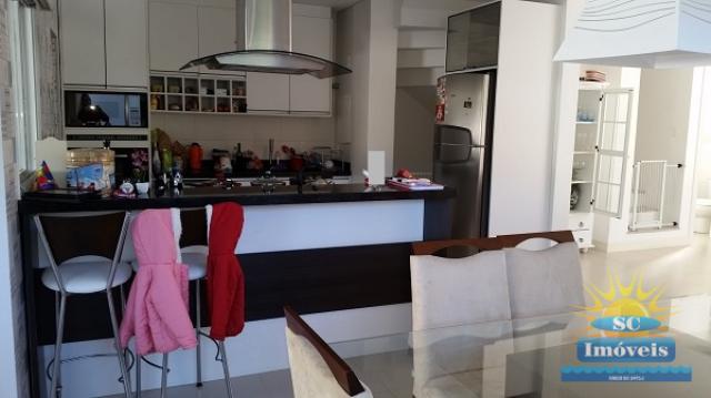 15. Sala jantar + cozinha