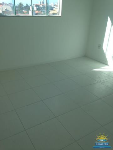 36. piso porcelanato