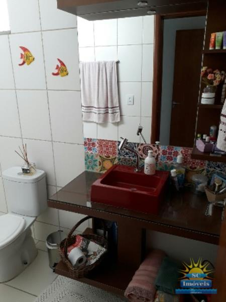 16. Banheiro suíte âng. 2