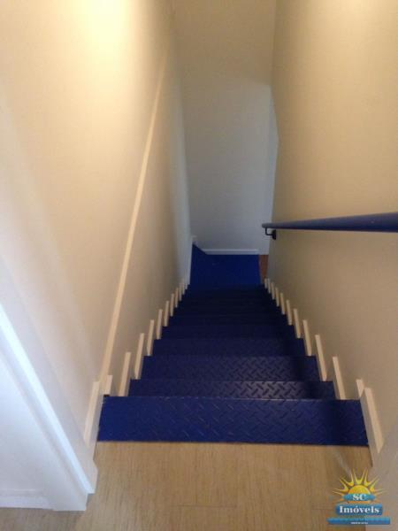 33. Escada de acesso suíte 2