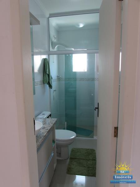 11. Banheiro Suíte