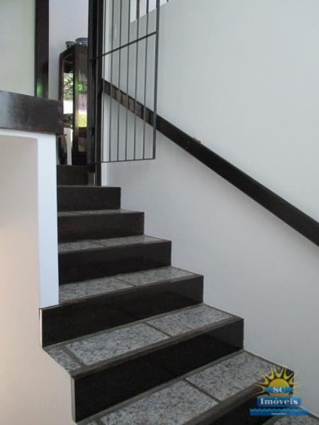 36. Escada interna ang.2