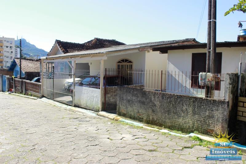 Casa Código 14182 a Venda no bairro Pantanal na cidade de Florianópolis