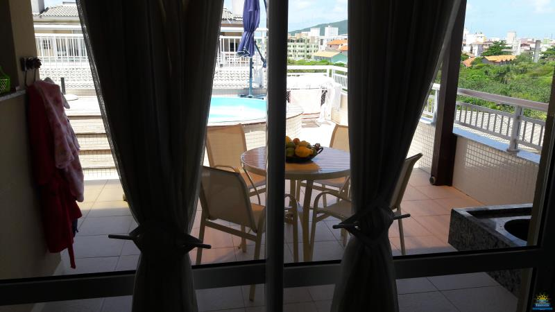 21. Vista terraço (sala)