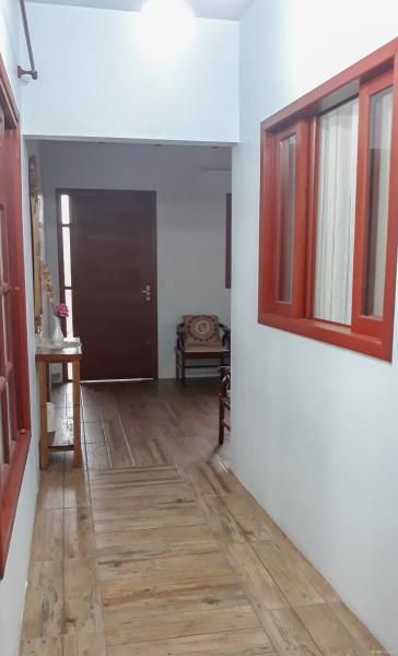 9. Corredor/sala