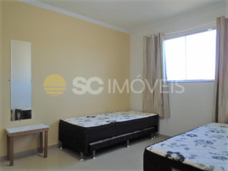 16. Dormitório 2