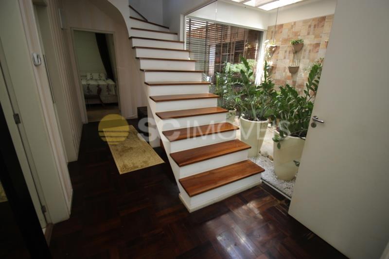 12. acesso piso superior