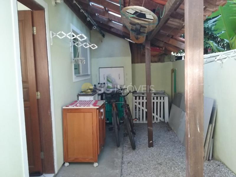 5. Área fundos da casa.