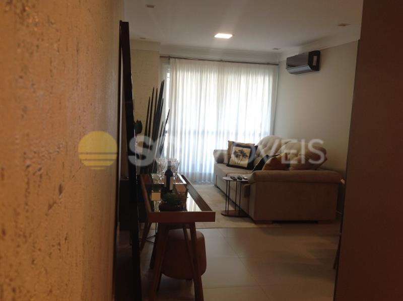 8. Sala de Estar com gesso e papel de parede importado, ar condicionado estilo split