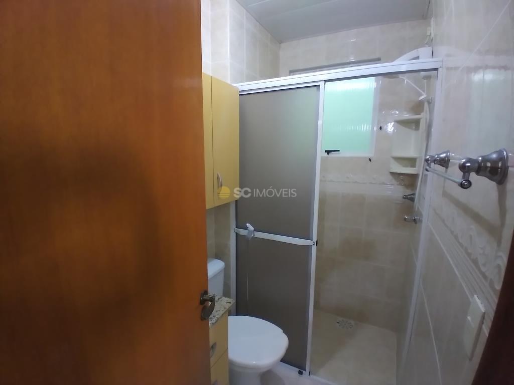 19. Banheiro Social - ângulo 1