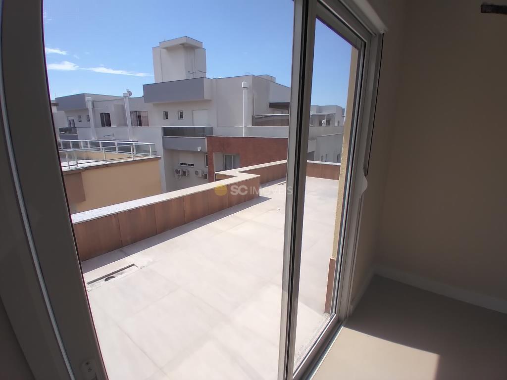 28. Sacada/terraço suíte