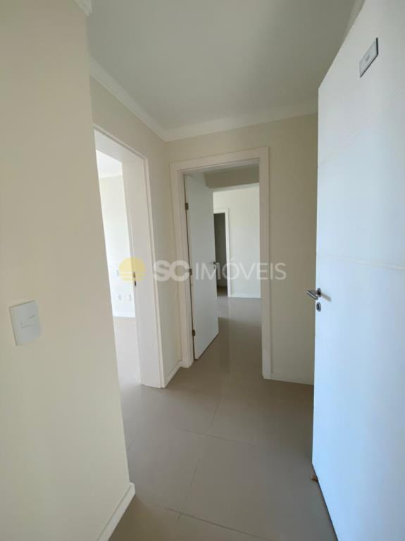 2. Entrada apartamento