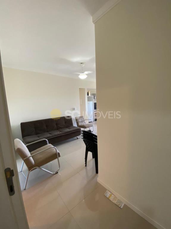 3. Entrada apartamento ang 2