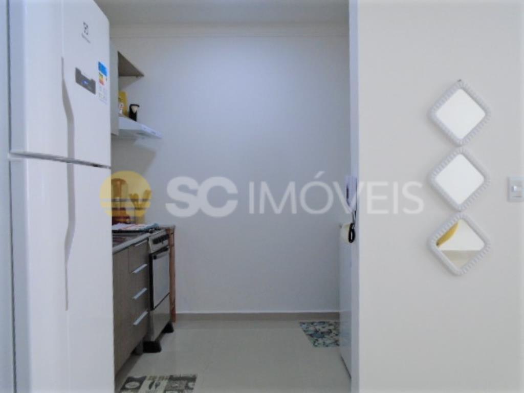 10. Cozinha/área de serviço