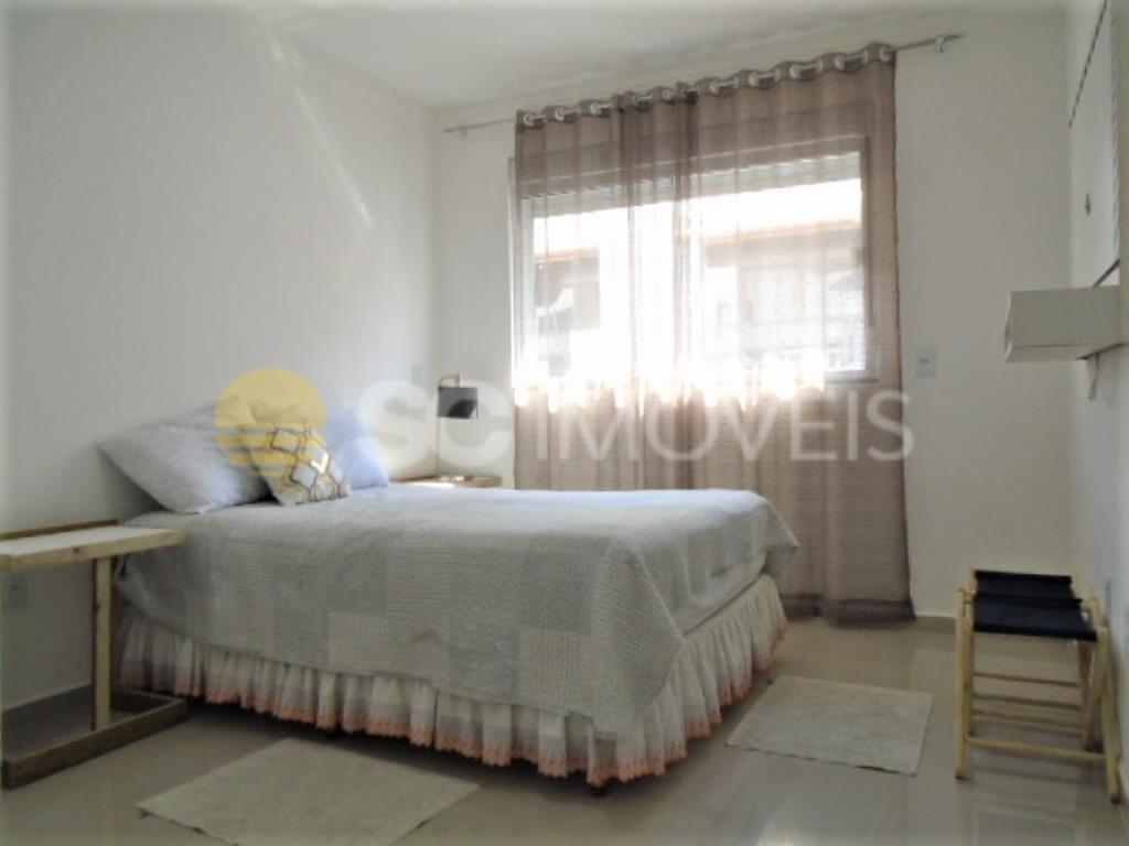12. Dormitório