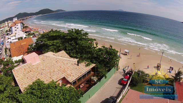 6. Vista aérea da casa frente mar âng.2