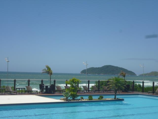 28. vista do mar da piscina