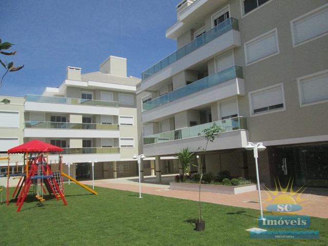 13. playground e fachada interna
