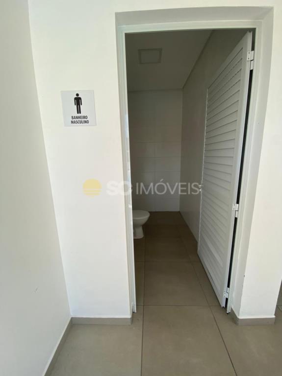 33. Banheiros salão de festas