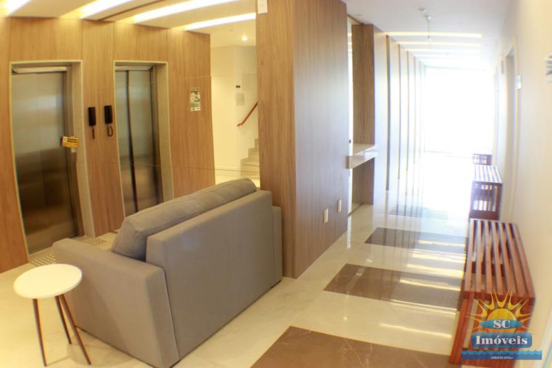 37. Hall de entrada