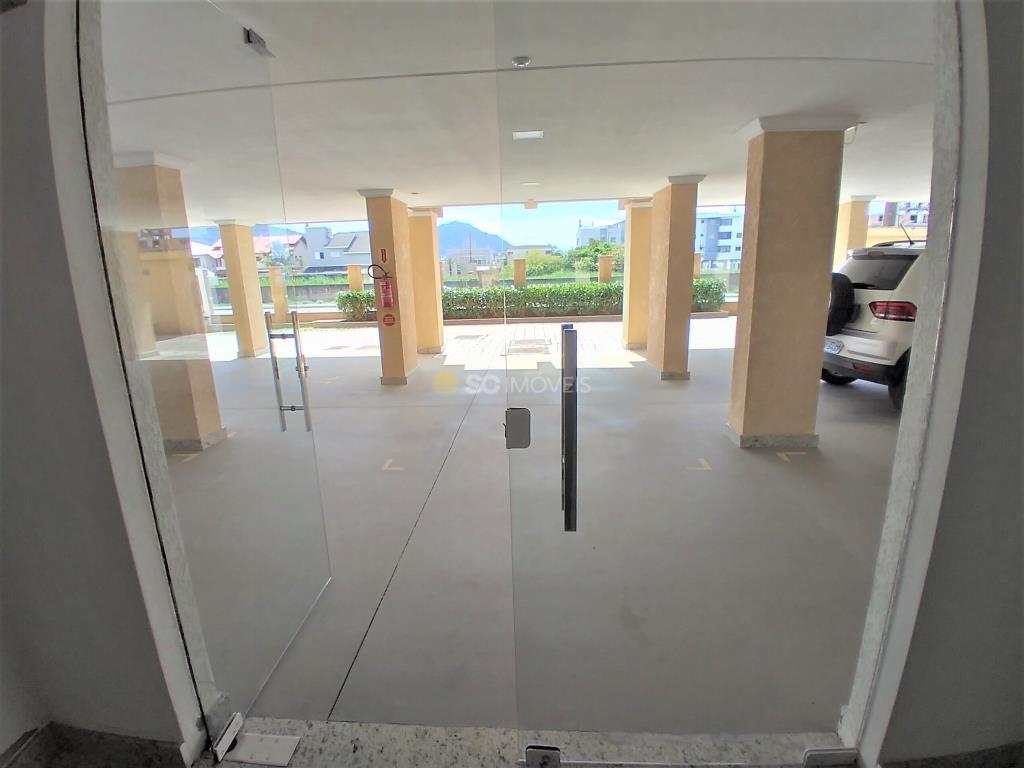 34. Garagens/porta entrada