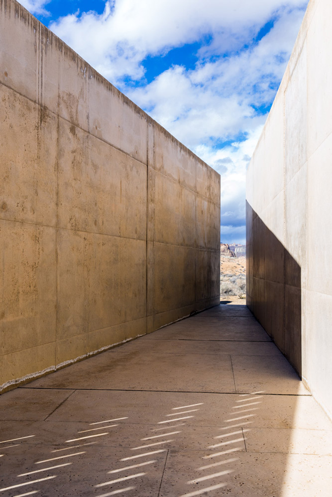 Hallway with framed view at Amangiri