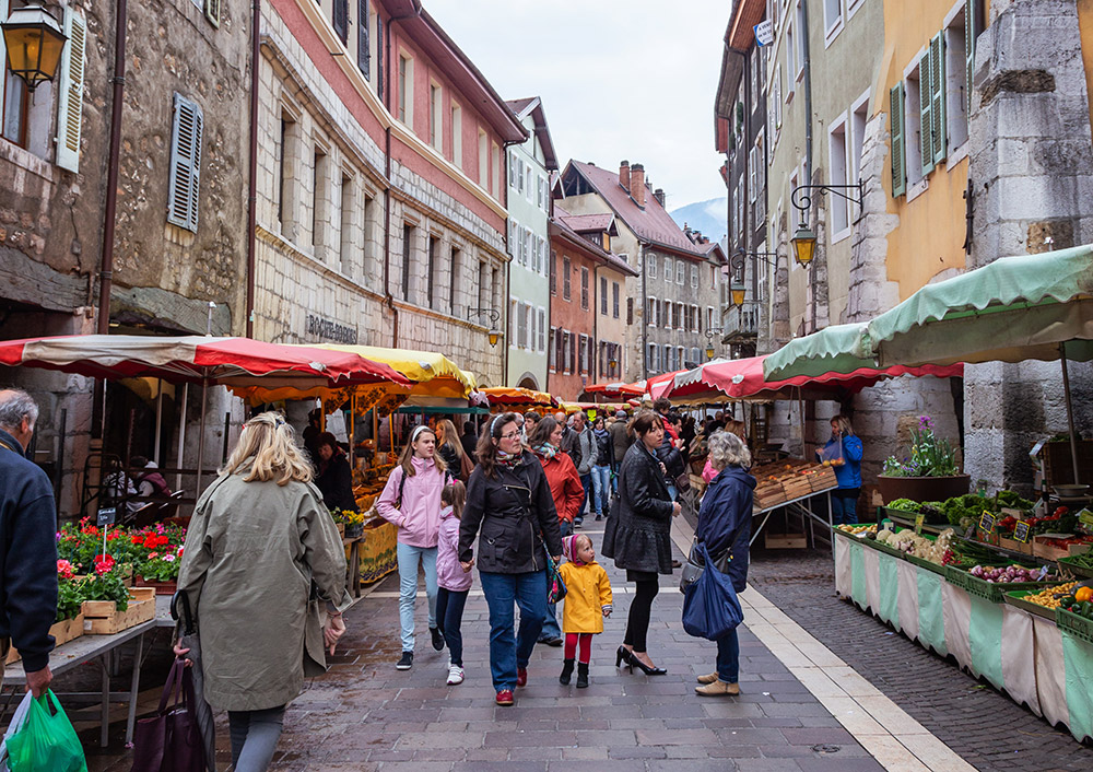 Outdoor market in Annecy
