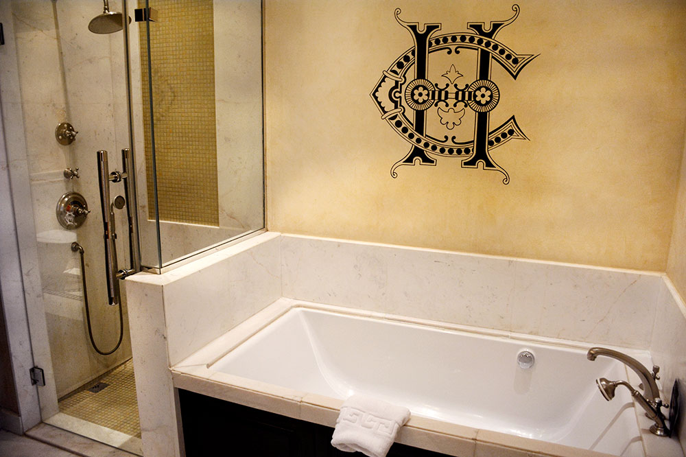 The bath of our suite at the Sofitel Legend Old Cataract Aswan - Photo by Hideaway Report editor