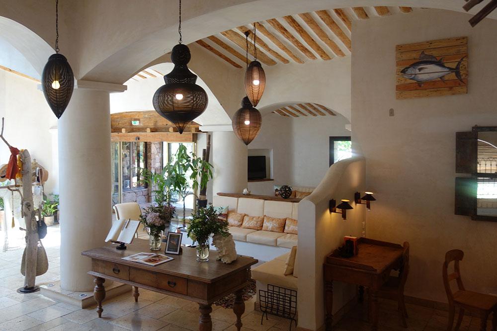 The common area lounge at U Capu Biancu