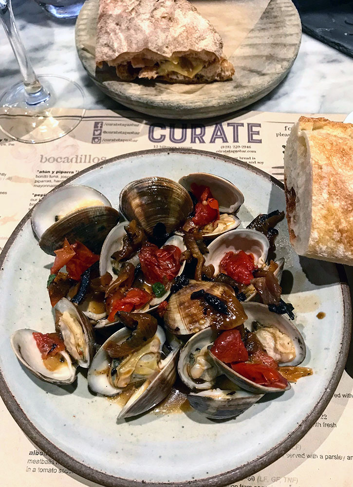 Clams at Cúrate