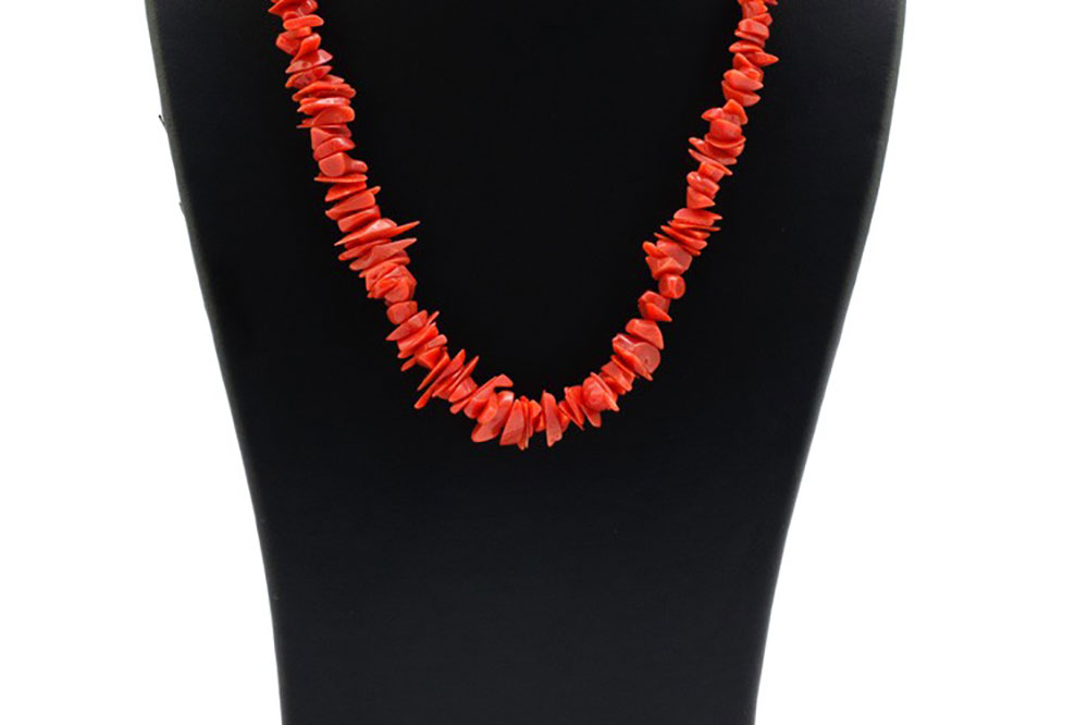 Coral jewelry from Les Terrasses d'Aragon in Corsica